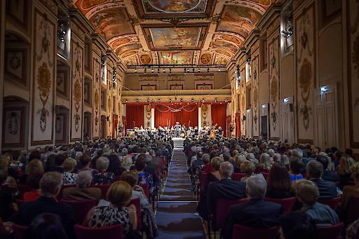 Der weltbekannte Haydnsaal wird für unterschiedliche Veranstaltungen und Formate, wie zum Beispiel die Konzertreihe classic.Esterhazy oder das HERBSTGOLD - Festival in Eisenstadt, das ganze Jahr über gerne besucht.