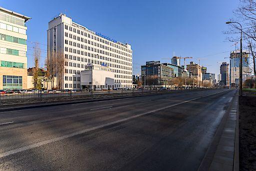 Das ehemalige Bürogebäude wurde in 12 Monaten zum größten Markenhostel der Stadt umgebaut. Jetzt buchbar unter https://www.aohostels.com/at/