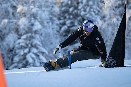 """""""Schneesport - das Skifahren und Snowboarden – ist ein essentieller Grundpfeiler unserer österreichischen Kultur und Geschichte! Es ist unsere Pflicht, diesen auch wirtschaftlich wichtigen Teil unseres Landes für """"jeden"""" zugänglich und leistbar zu gestalten!"""" untermauert Benjamin Karl, Profisnowboarder, die Forderung der Naturfreunde Österreich."""