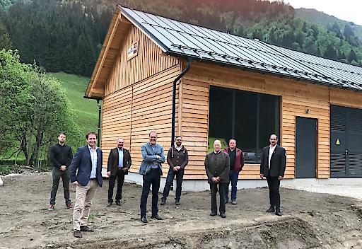 Geschäftsführer Erwin Petz (vorne links) mit dem Aufsichtsrat