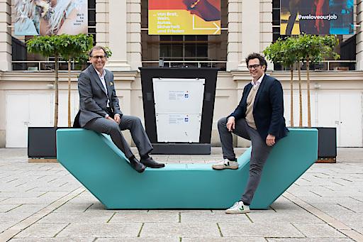 v.l.n.r.: Dr. Christian Strasser, MBA, Direktor MuseumsQuartier Wien; Dr. Markus Reiter Bezirksvorsteher des 7. Wiener Gemeindebezirkes