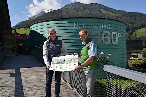 Nationalpark Hohe Tauern eröffnet heute die Sommersaion. Im Bild v.l.n.r GF Roland Rauch und Dir. Wolfgang Urban