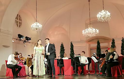 """Schloss Schönbrunn Orchester startete mit """"Wiener Musik und Wein"""" neues Programm für heimisches Publikum"""