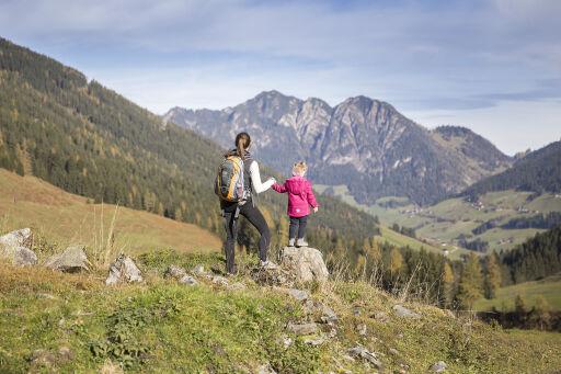 In drei abwechslungsreichen Tagesetappen wandern kleine und große Bergsteiger durch die faszinierende Bergwelt des Alpbachtals.