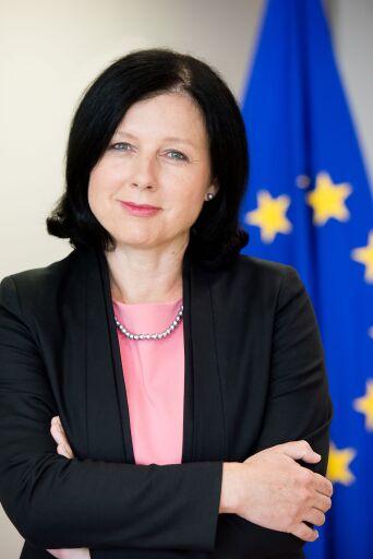 Věra Jourová (Vizepräsidentin der EU-Kommission und Kommissarin für Werte und Transparenz) wird am 14. Europäischen Mediengipfel in Lech am Arlberg im April 2021 teilnehmen.