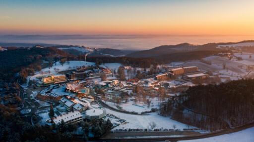 Luftbildaufnahme Winter Thermenresort Loipersdorf