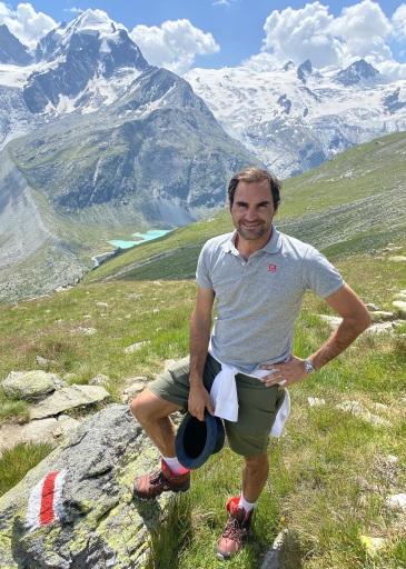 Roger Federer beim Wandern in den Schweizer Alpen, Engadin, Graubünden