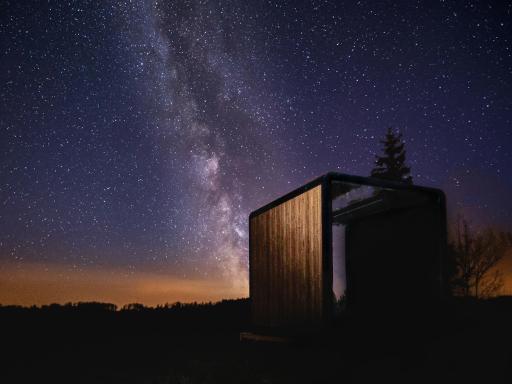 STAR BASE in Sternenberg in der Nacht