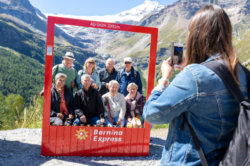 Bernina Express Fotorahmen auf Alp Grüm, Poschiavo