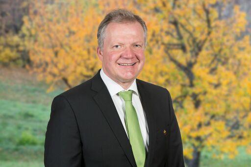 Roland Hirtenfelder ist Gastgeber des neuen WALDNESS.Partners, Krainerhütte im Wienerwald