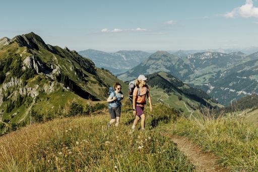 Arvigrat, Tell-Trail Wanderinnen