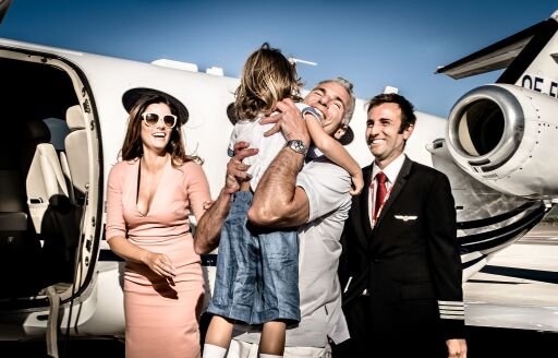 GlobeAir Privatjet mit Familie